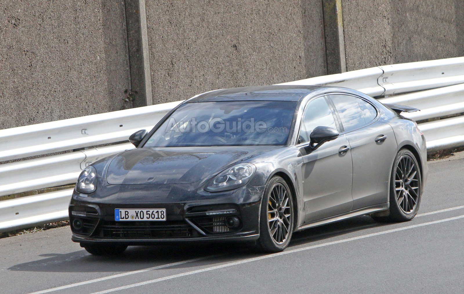 2017 Porsche Panamera Spied Lapping the Nurburgring Without Disguise
