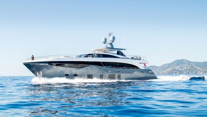 princess-35m-yacht-01