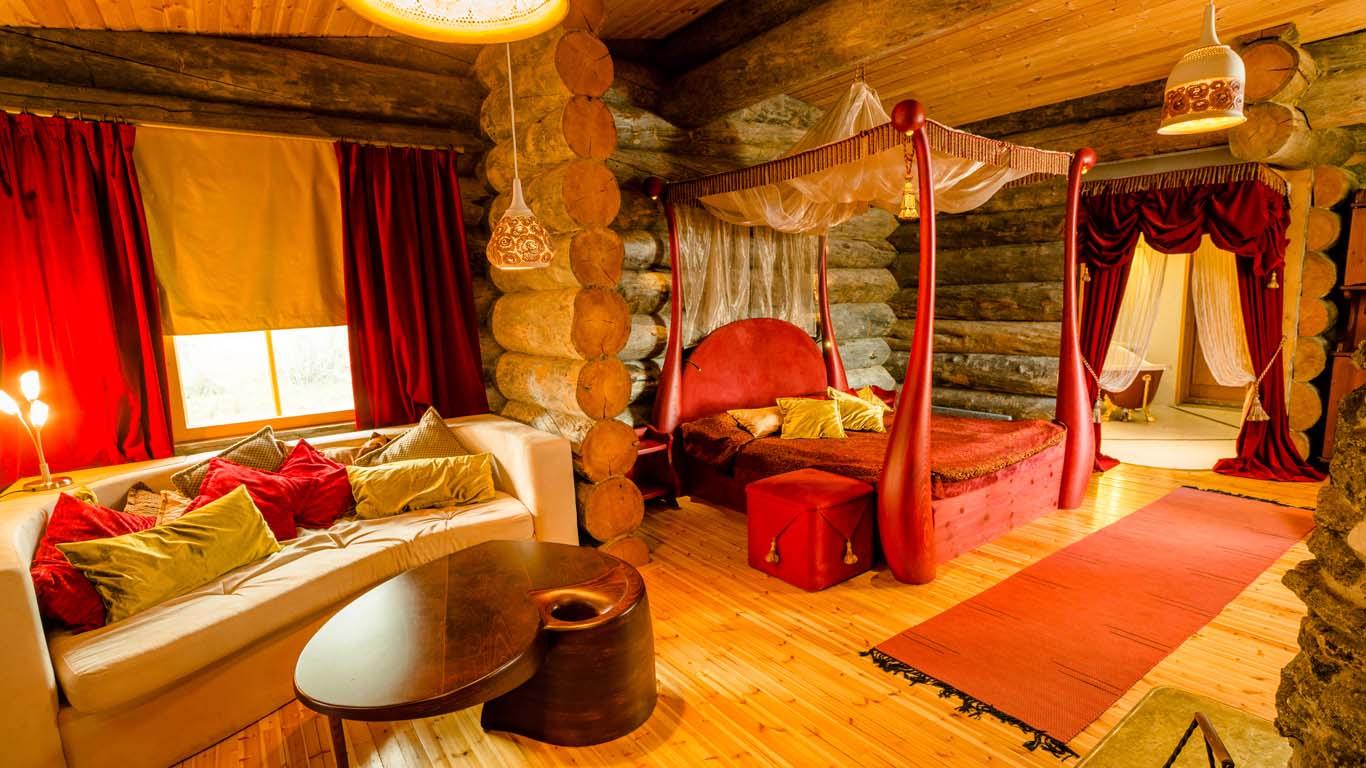 Queen Suites2
