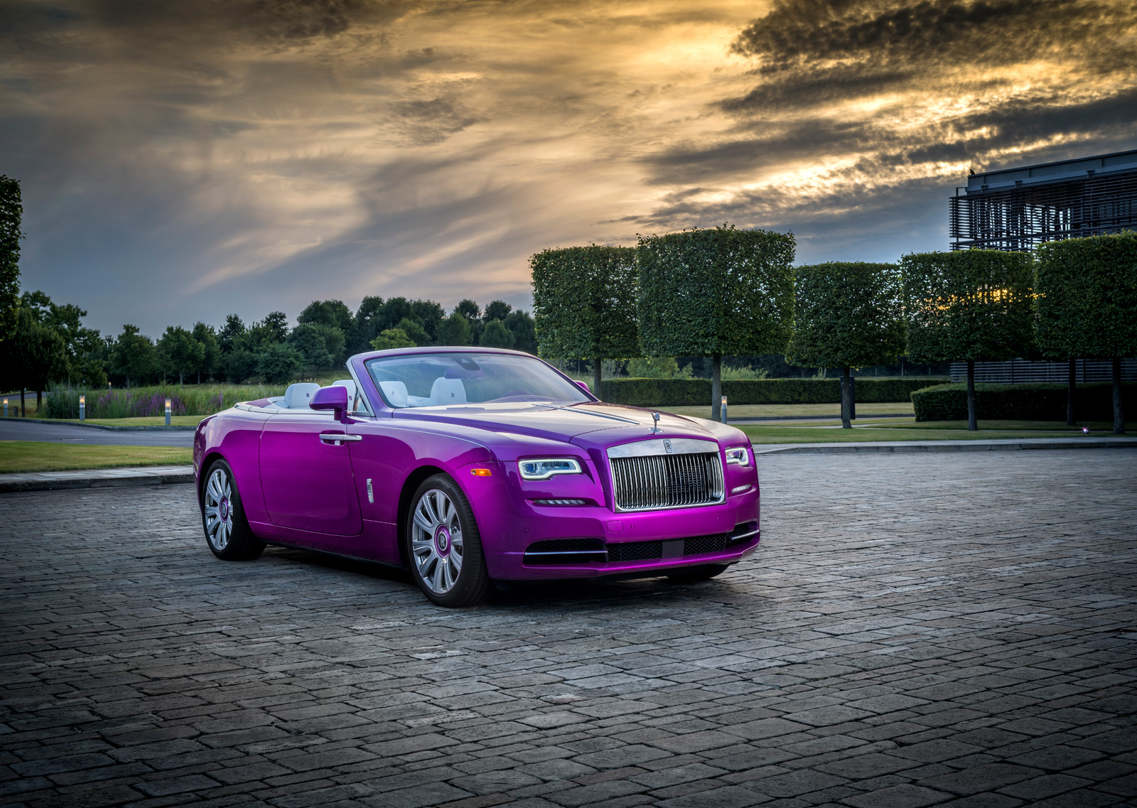 You're Not Rich Enough to Have a Rolls-Royce Painted This Color