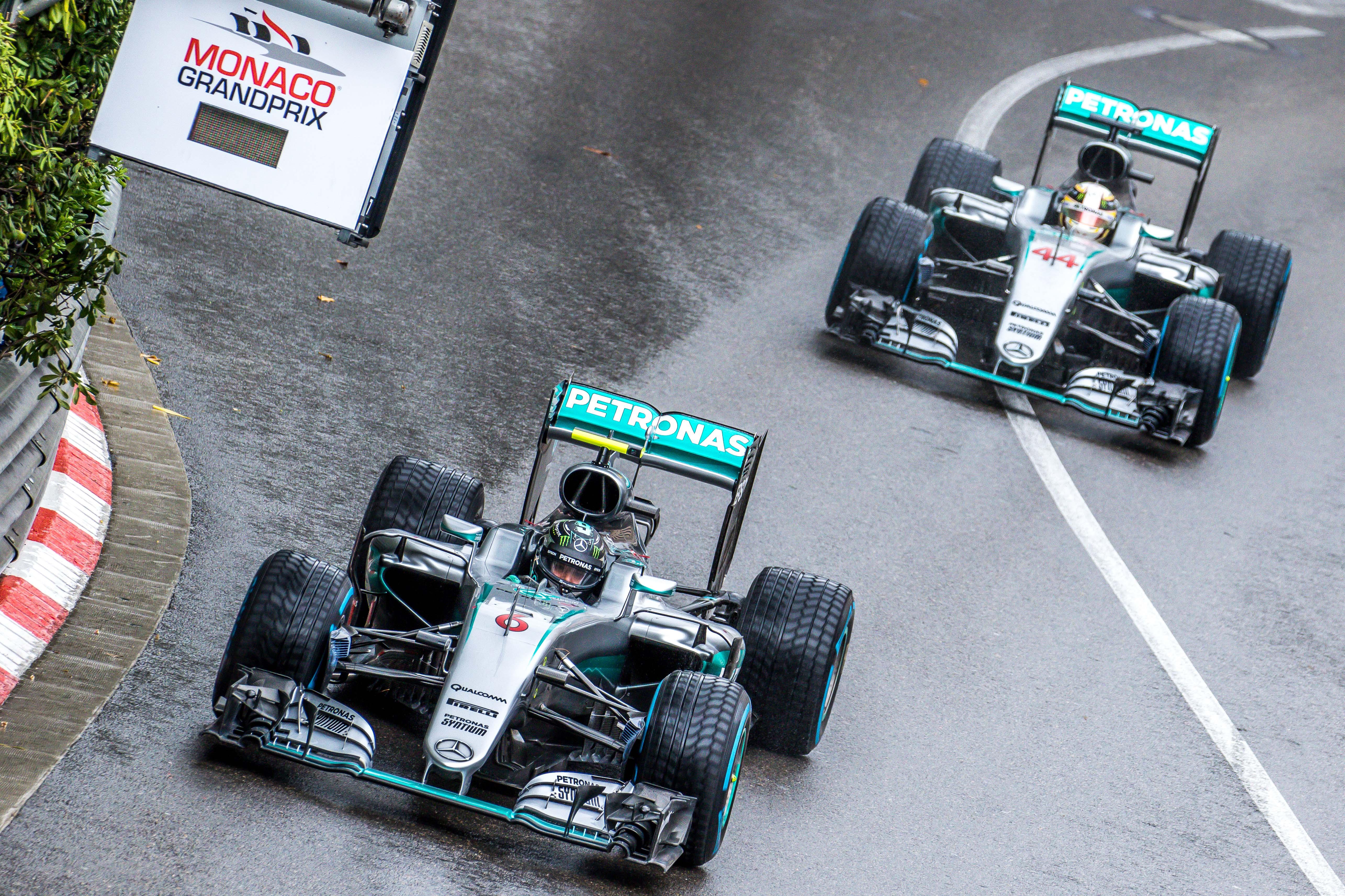 Rosberg_Hamilton_-_2016_Monaco_GP_2