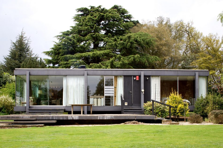 Farnsworth House Imitator In England Asks $1.6M