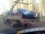 bugatti-veyron-on-the-back-of-a-truck-in-russia.jpg